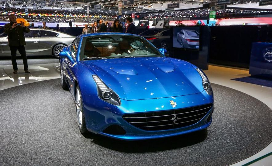 2015 Ferrari California T - Slide 15