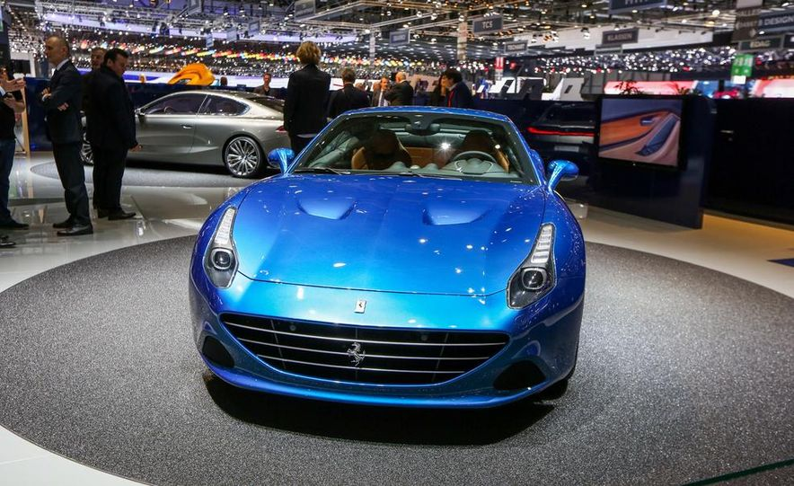 2015 Ferrari California T - Slide 17