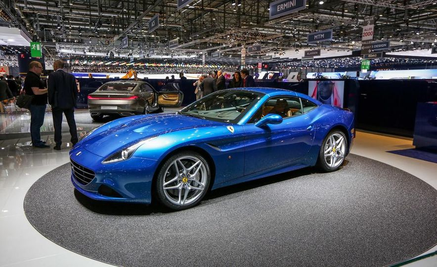2015 Ferrari California T - Slide 19