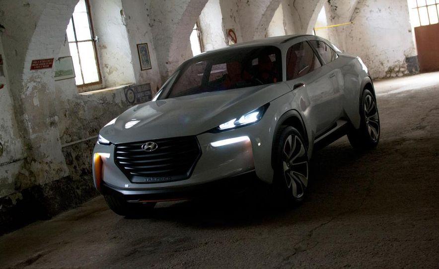Hyundai Intrado concept - Slide 19