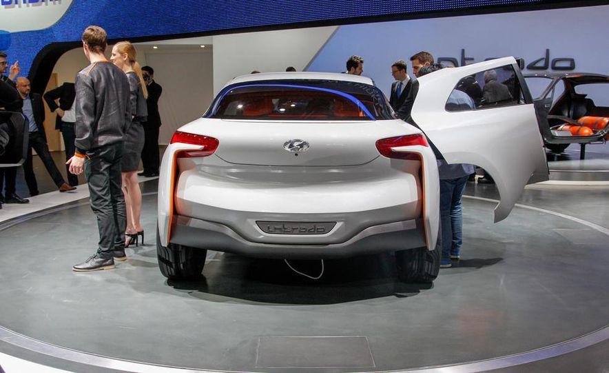 Hyundai Intrado concept - Slide 7