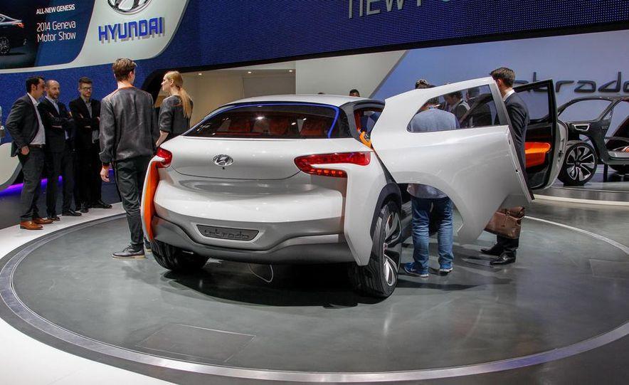 Hyundai Intrado concept - Slide 8