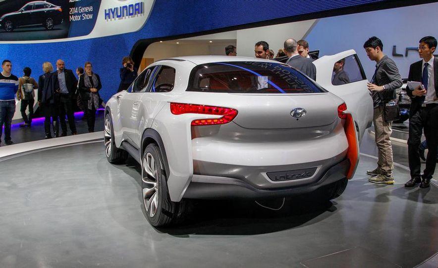 Hyundai Intrado concept - Slide 9