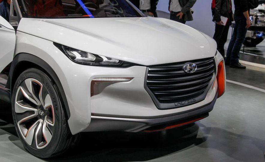 Hyundai Intrado concept - Slide 13