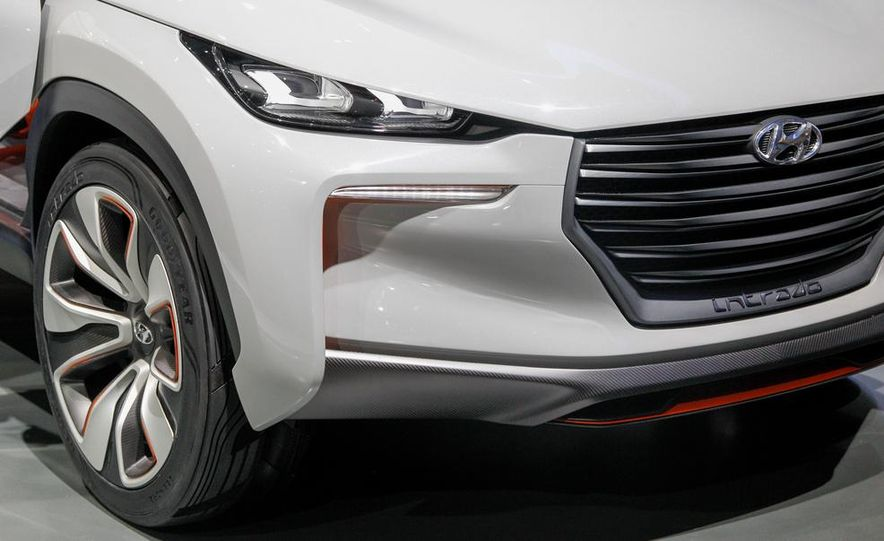 Hyundai Intrado concept - Slide 14