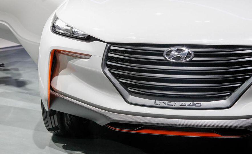 Hyundai Intrado concept - Slide 15