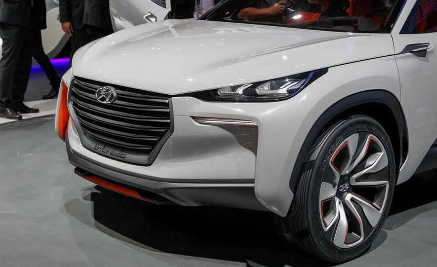 Hyundai Intrado concept - Slide 16