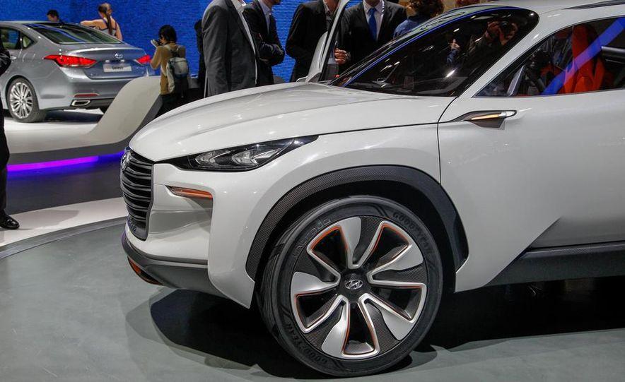 Hyundai Intrado concept - Slide 17