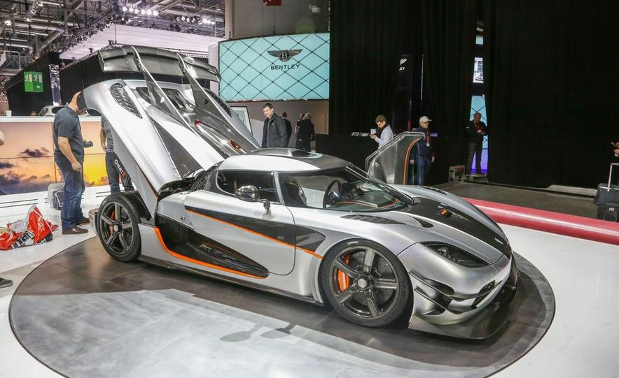 Koenigsegg One:1 - Slide 4