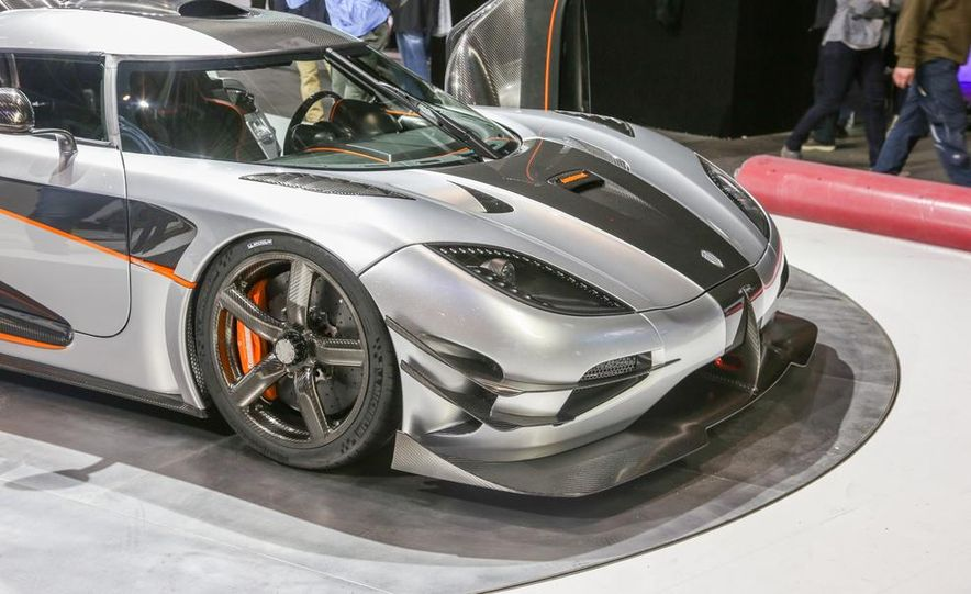Koenigsegg One:1 - Slide 9