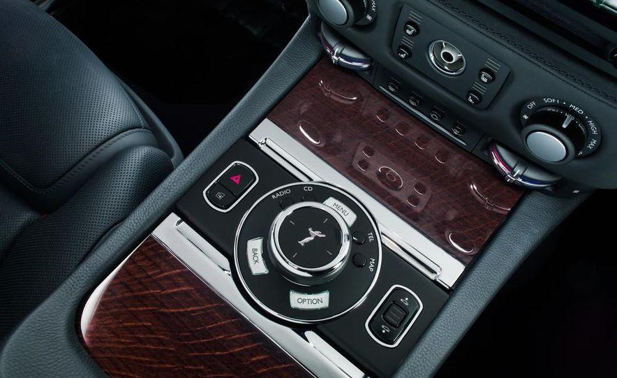 2015 Rolls-Royce Ghost Series II - Slide 36