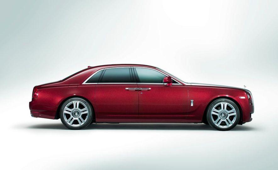 2015 Rolls-Royce Ghost Series II - Slide 23
