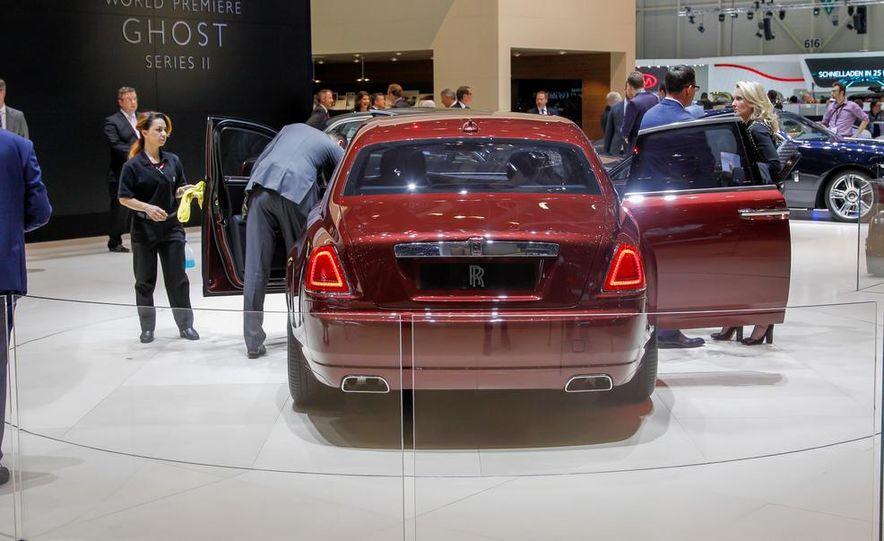 2015 Rolls-Royce Ghost Series II - Slide 10