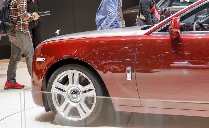 2015 Rolls-Royce Ghost Series II - Slide 14
