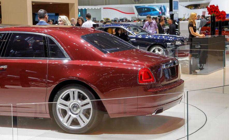 2015 Rolls-Royce Ghost Series II - Slide 16