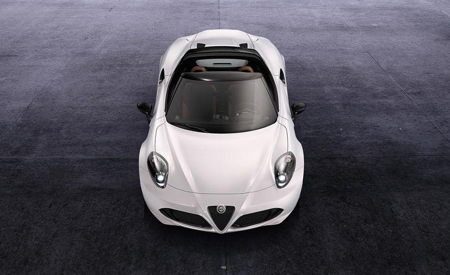 2015 Alfa Romeo 4C Spider - Slide 32