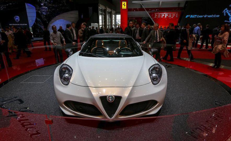 2015 Alfa Romeo 4C Spider - Slide 5