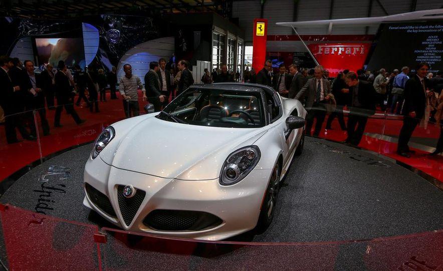 2015 Alfa Romeo 4C Spider - Slide 6