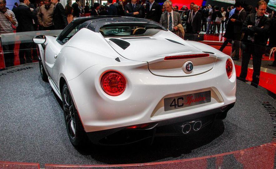 2015 Alfa Romeo 4C Spider - Slide 11