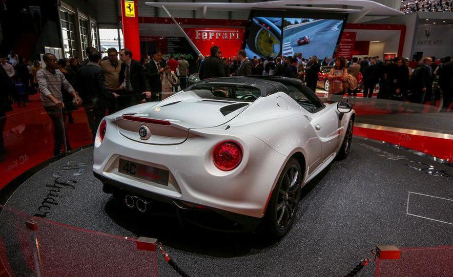 2015 Alfa Romeo 4C Spider - Slide 13