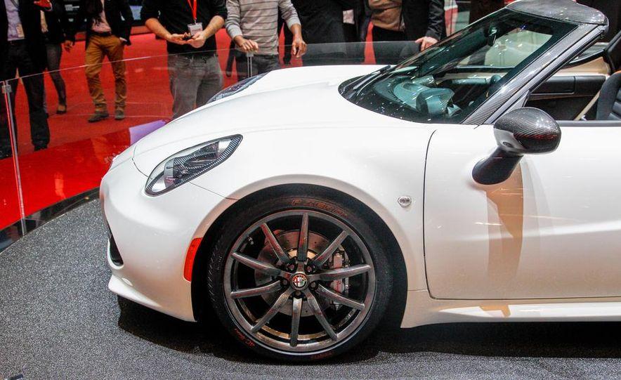 2015 Alfa Romeo 4C Spider - Slide 16