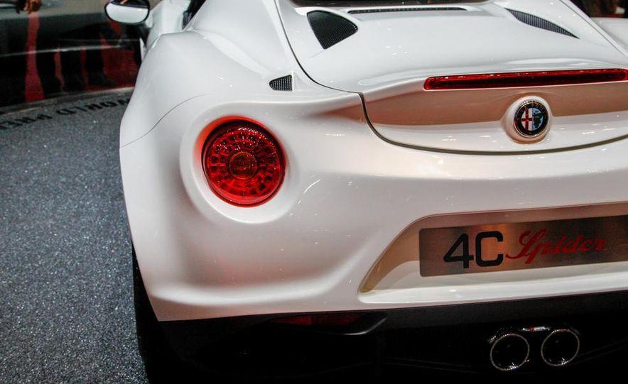 2015 Alfa Romeo 4C Spider - Slide 21