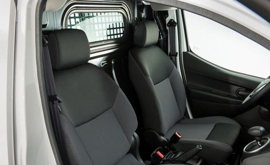 Nissan e-NV200 Evalia - Slide 42