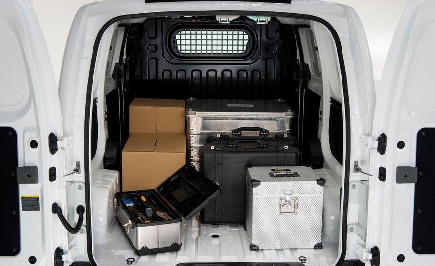 Nissan e-NV200 Evalia - Slide 46