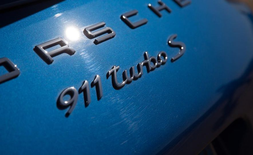 2014 Porsche 911 Turbo S - Slide 13