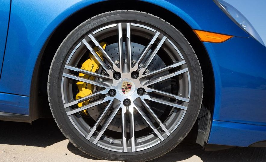 2014 Porsche 911 Turbo S - Slide 16