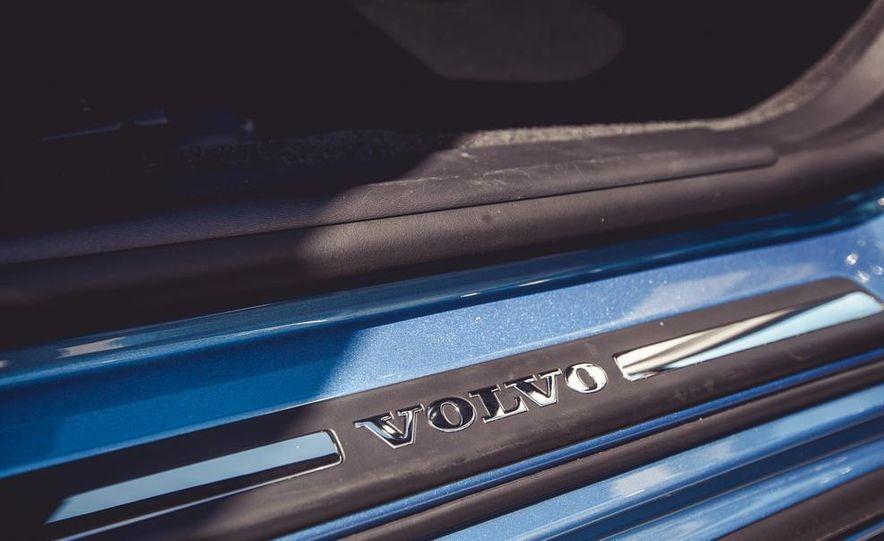 2015 Volvo V60 - Slide 49