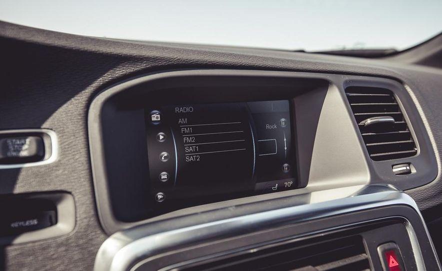 2015 Volvo V60 - Slide 44