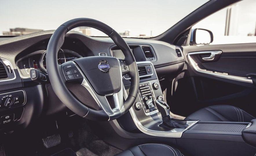 2015 Volvo V60 - Slide 27