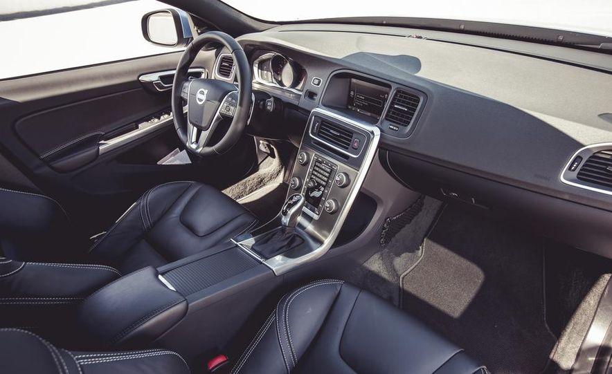 2015 Volvo V60 - Slide 29
