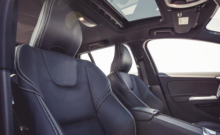 2015 Volvo V60 - Slide 33