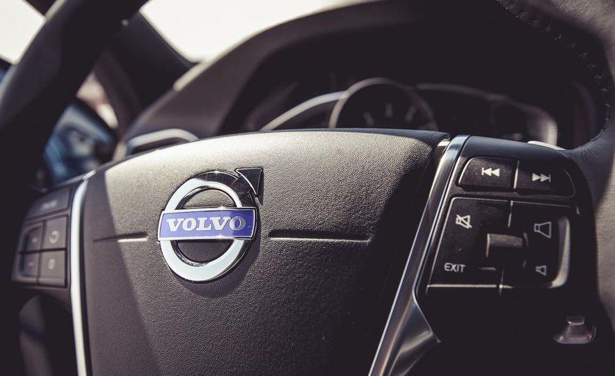 2015 Volvo V60 - Slide 40