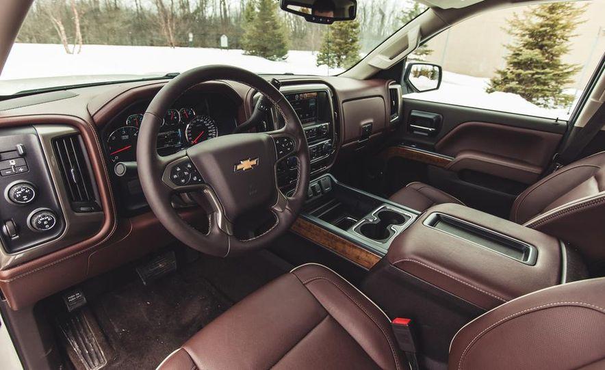 2014 Chevrolet Silverado 1500 High Country - Slide 30