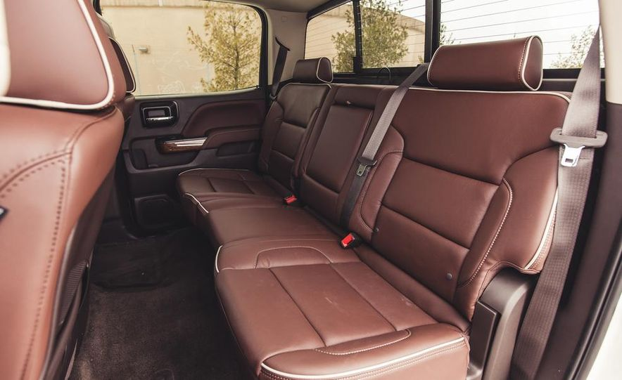 2014 Chevrolet Silverado 1500 High Country - Slide 34