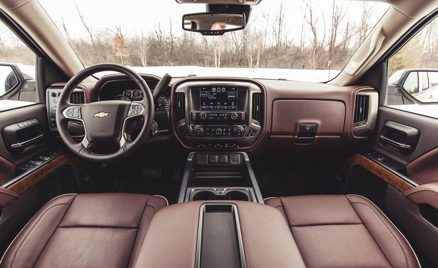 2014 Chevrolet Silverado 1500 High Country - Slide 35