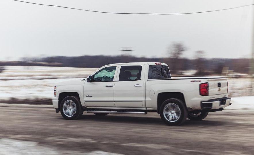 2014 Chevrolet Silverado 1500 High Country - Slide 10
