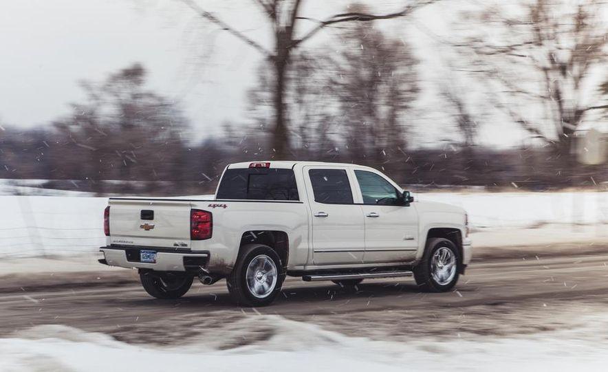 2014 Chevrolet Silverado 1500 High Country - Slide 11