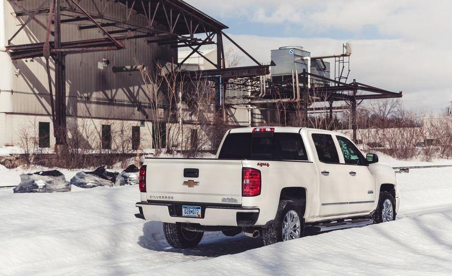 2014 Chevrolet Silverado 1500 High Country - Slide 17