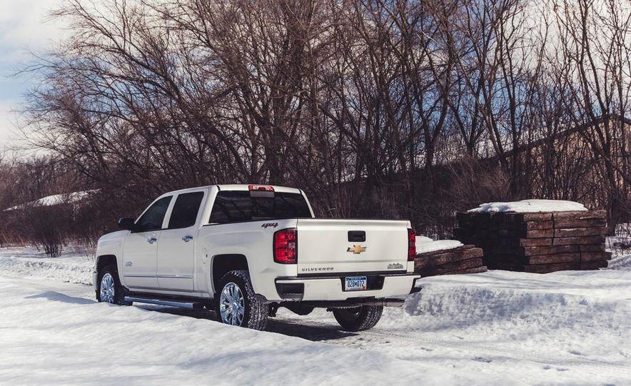 2014 Chevrolet Silverado 1500 High Country - Slide 18