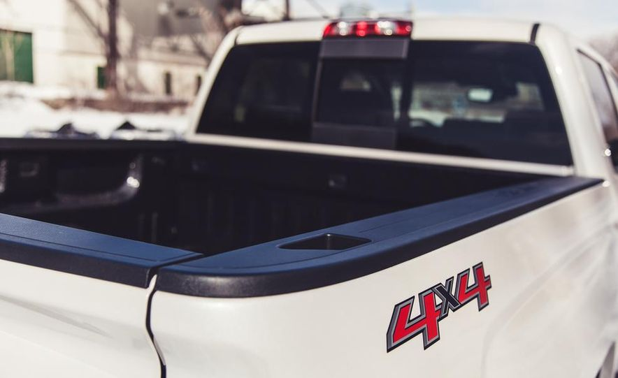 2014 Chevrolet Silverado 1500 High Country - Slide 24