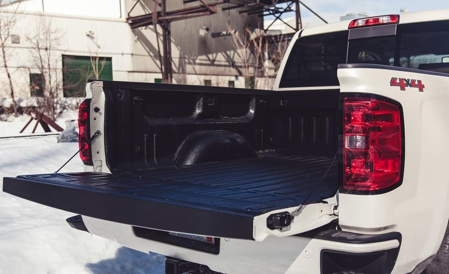 2014 Chevrolet Silverado 1500 High Country - Slide 25