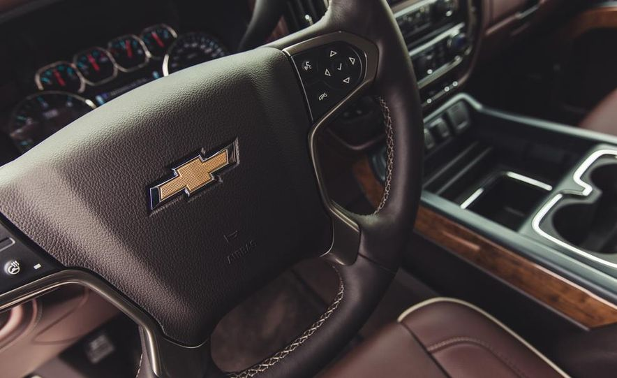 2014 Chevrolet Silverado 1500 High Country - Slide 41