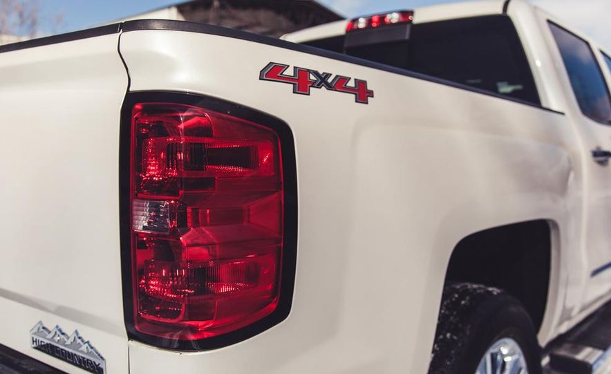 2014 Chevrolet Silverado 1500 High Country - Slide 26
