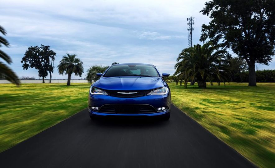 2015 Chrysler 200 - Slide 17