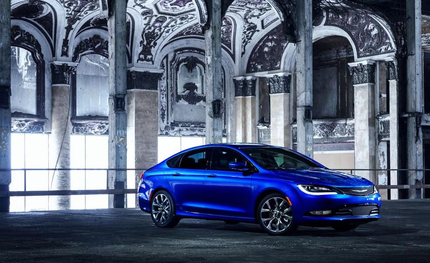 2015 Chrysler 200 - Slide 22