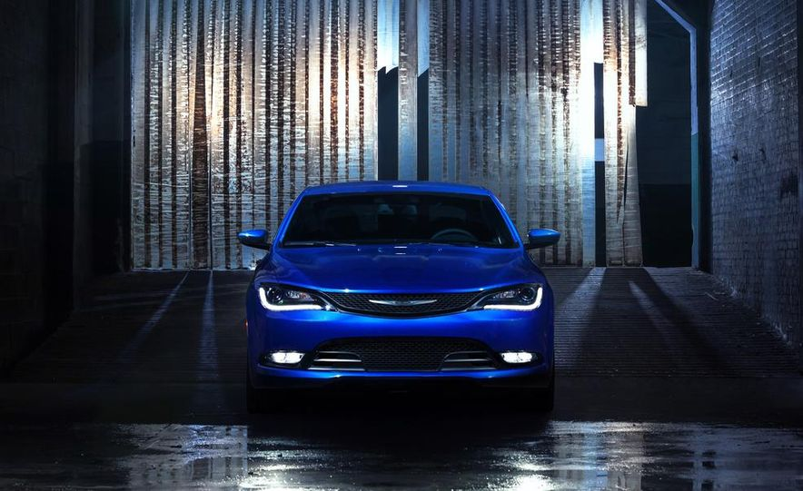 2015 Chrysler 200 - Slide 23